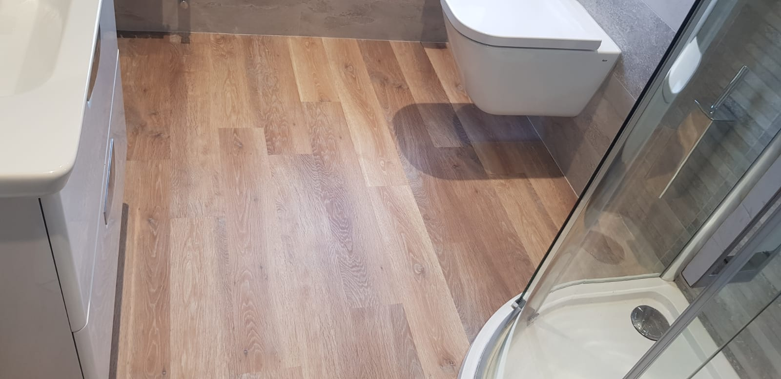 Amtico Wood Effect Luxury Vinyl Tile In Barnes 1