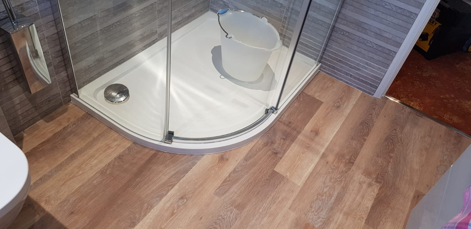 Amtico Wood Effect Luxury Vinyl Tile In Barnes 3