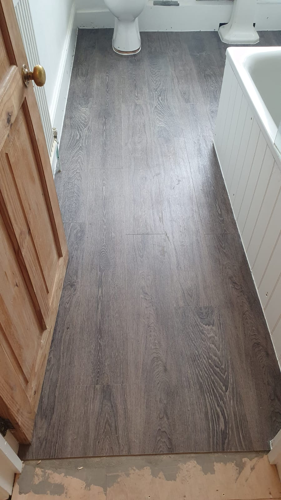 Amtico Spacia Bruges Oak Luxury Vinyl Tile in Islington 3