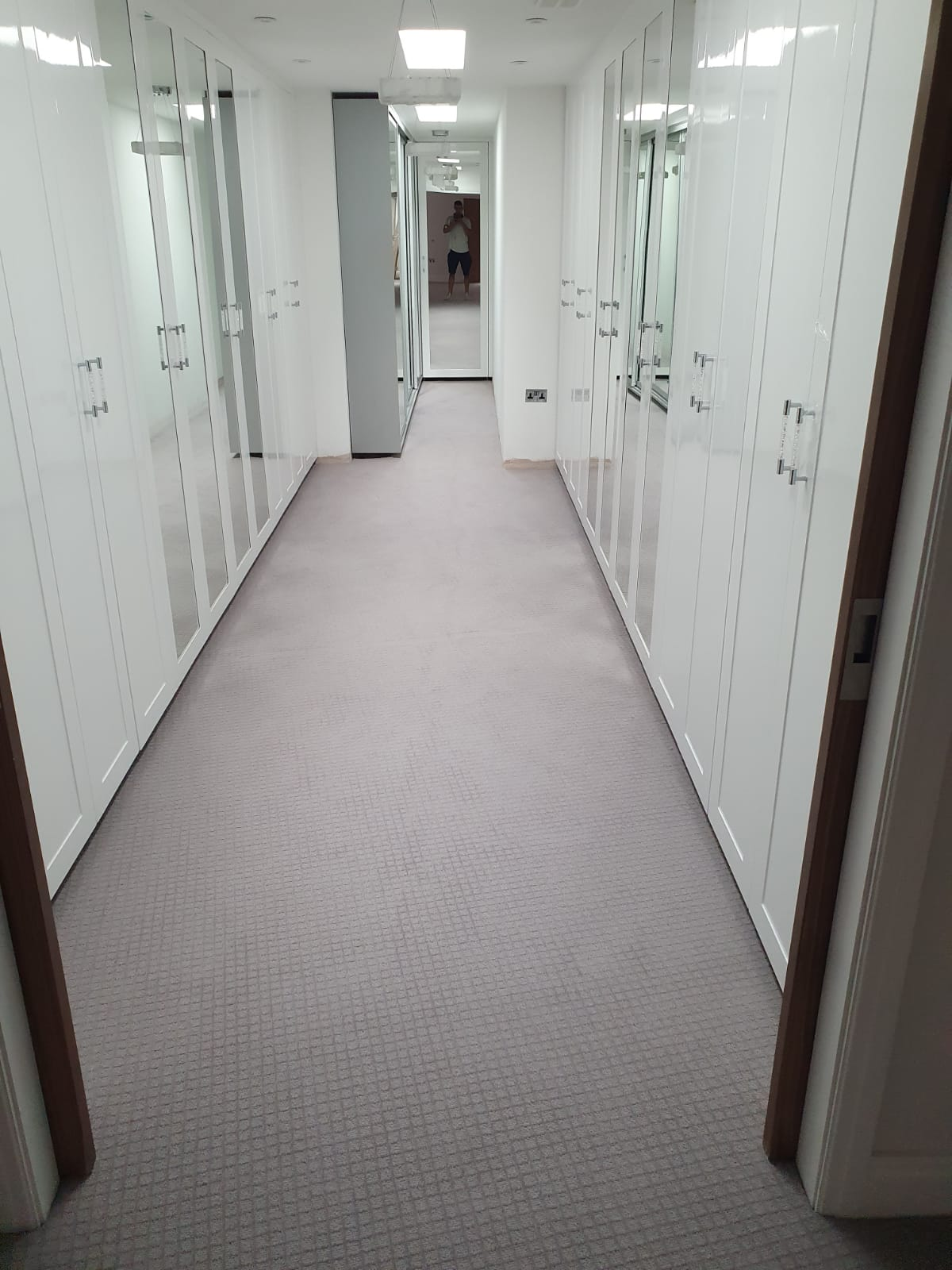 Grey Carpet to Multiple Rooms in Flooring Docklands 1