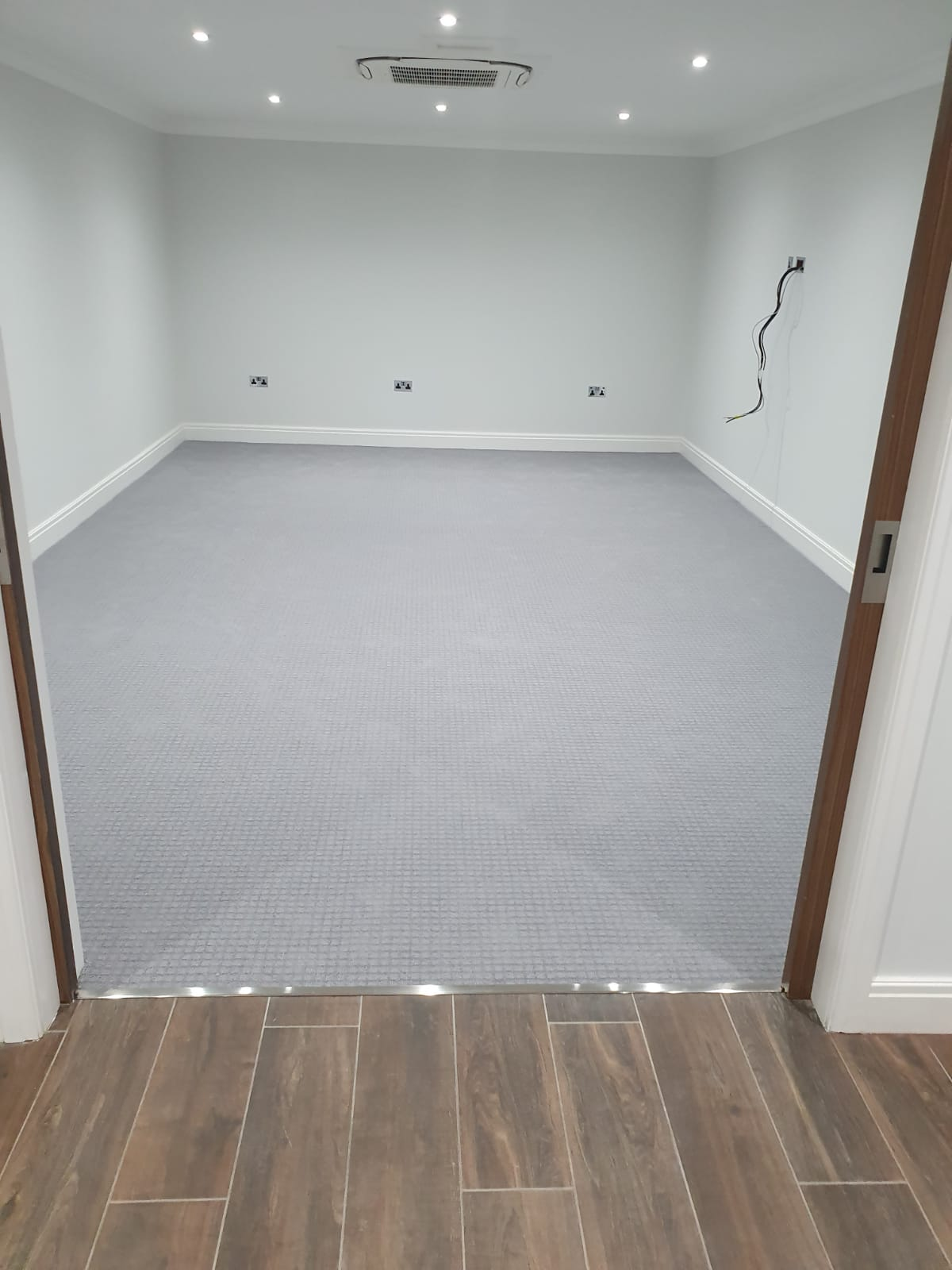 Grey Carpet to Multiple Rooms in Flooring Docklands 2