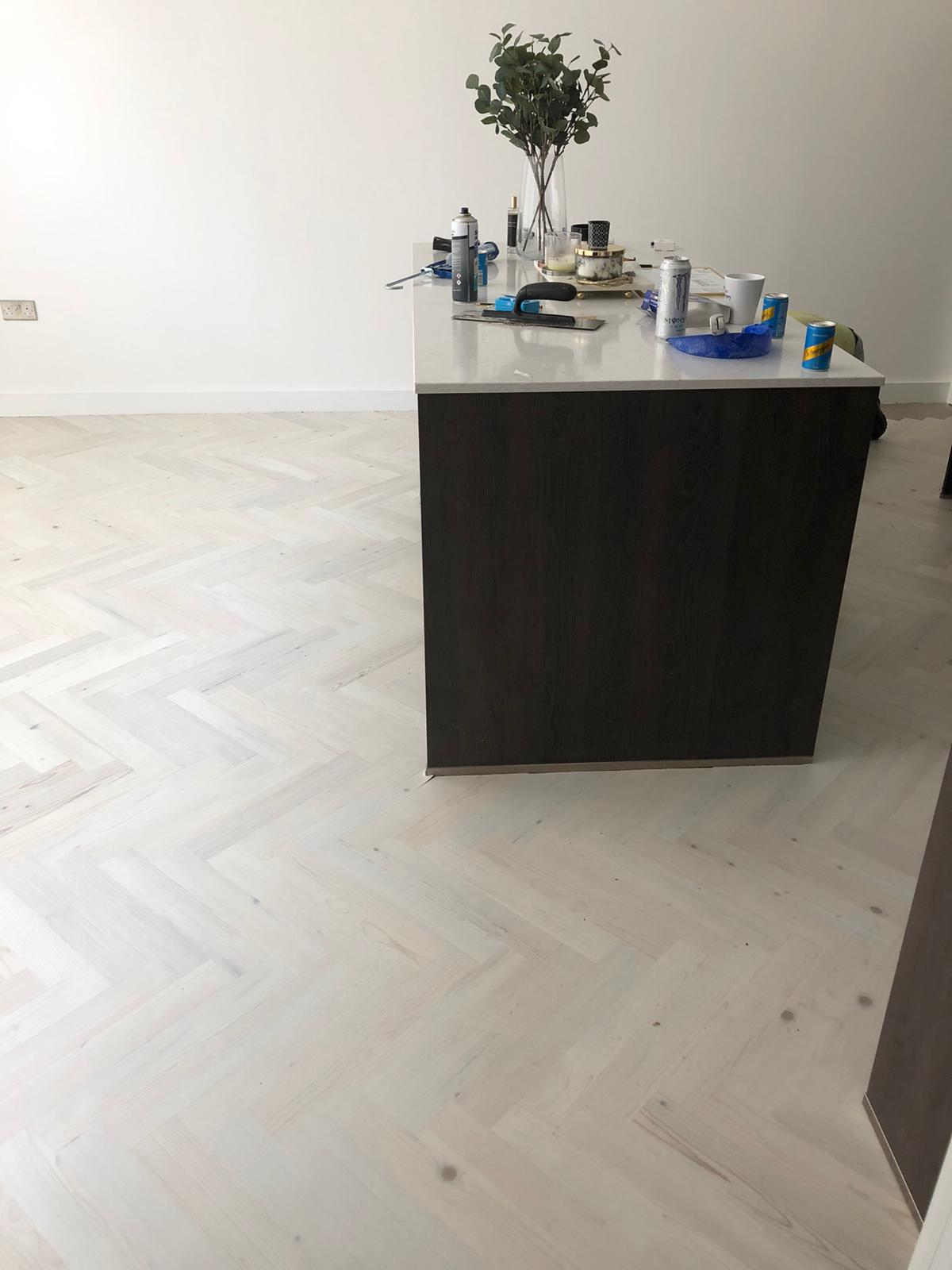 Karndean Knight Tile Washed Scand Prime Herringbone in Chelsea 4