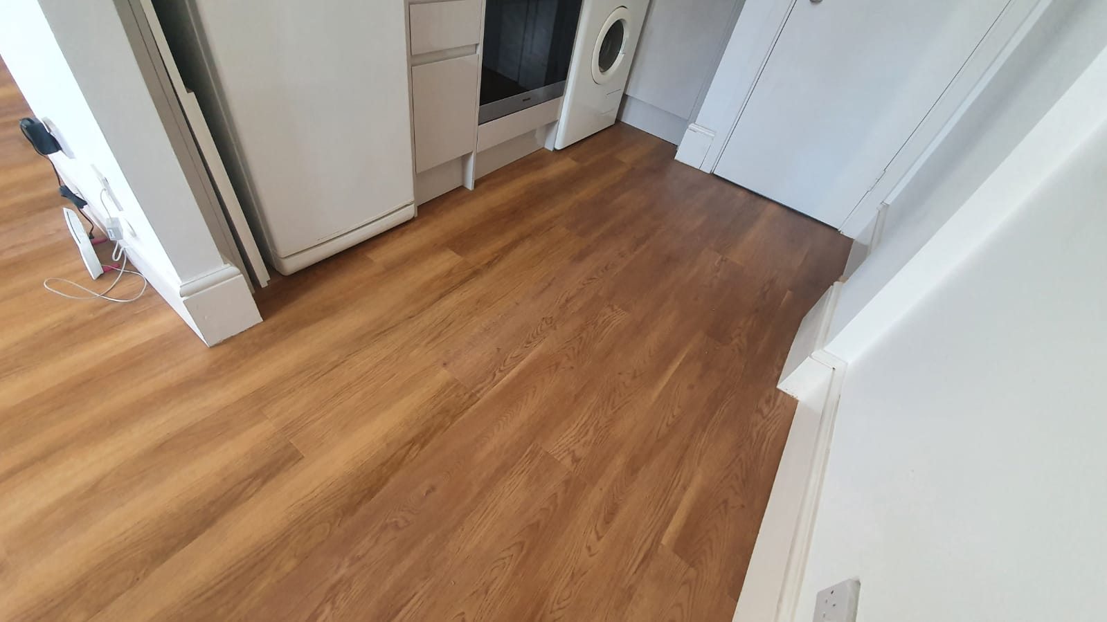 Amtico Spacia New England Oak Vinyl Flooring in Mayfair 1