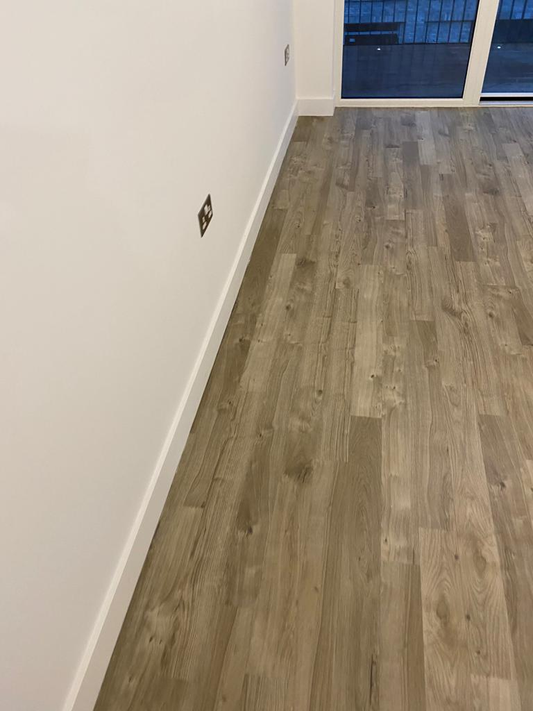 Amtico Spacia Sun Bleached Oak Luxury Vinyl Tile in Balham 3