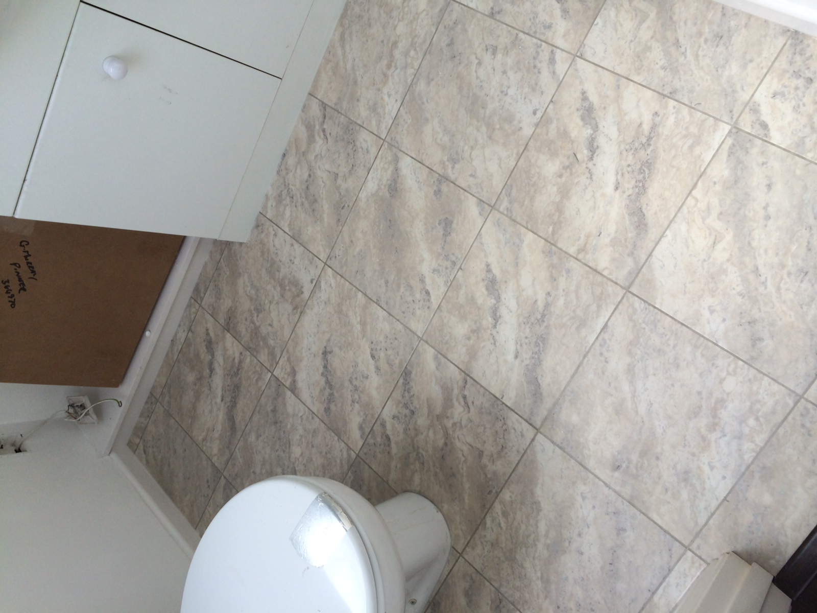 Amtico Spacia Bias Travertine Oyster Tile In Farringdon 1
