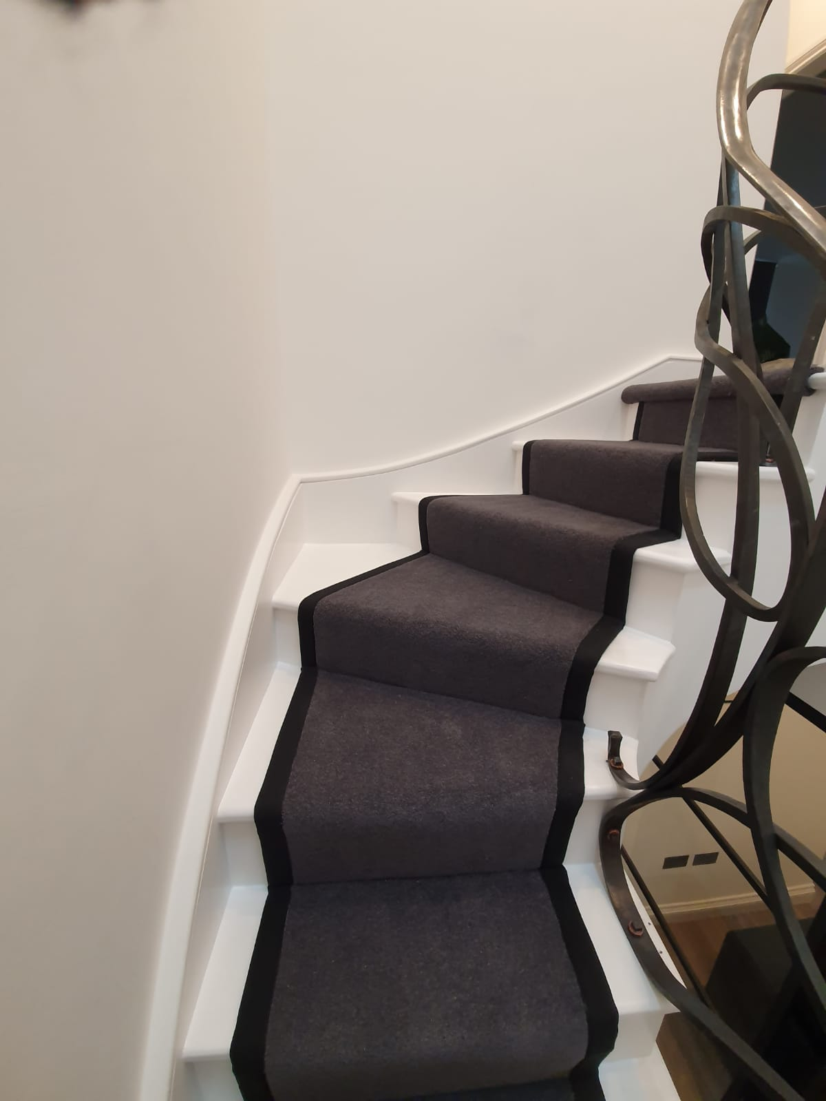 Brown Carpet with Black Binding In Notting Hill 1
