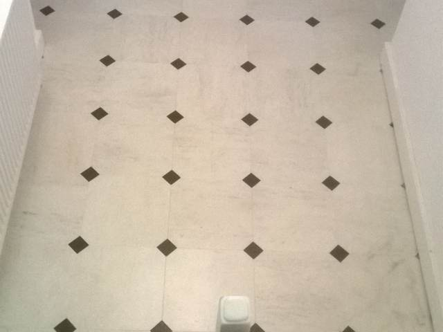 Amtico Signature Honed Limestone with Graphite Slate Key Squares