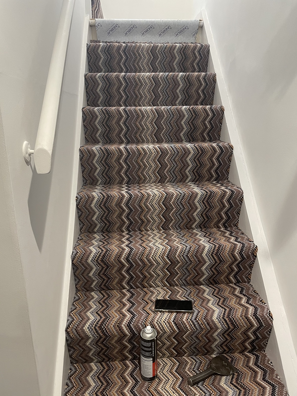 Crucial Trading Fabulous Topaz Wide Carpet in Fulham 2