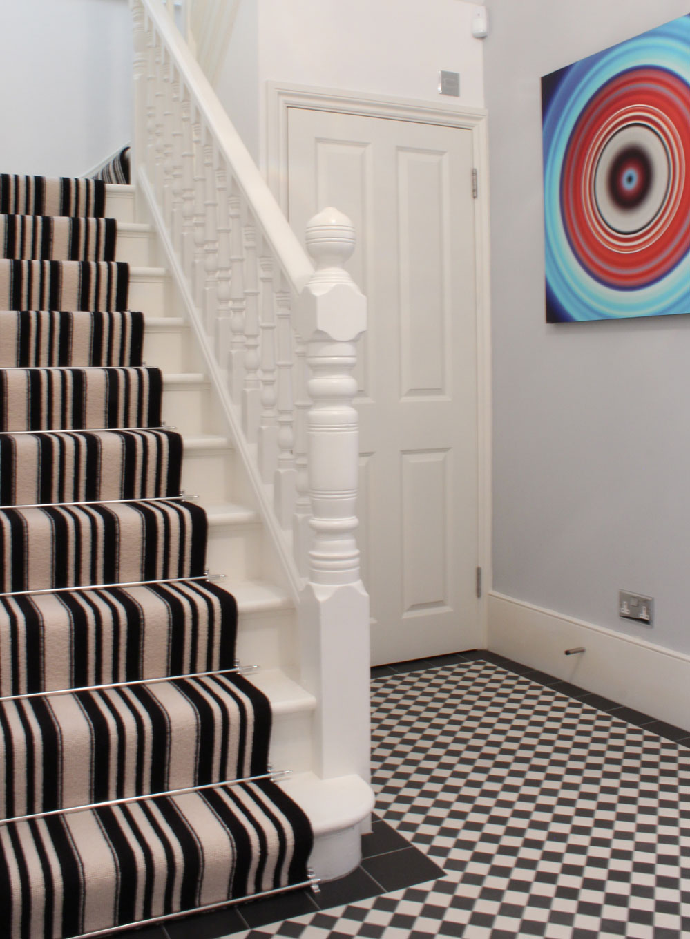 Black-And-White-Striped-Stair-Carpet-2