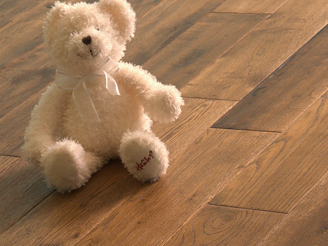 Brooks Bros Wood Flooring – S3002 Oak HS Stained Oiled