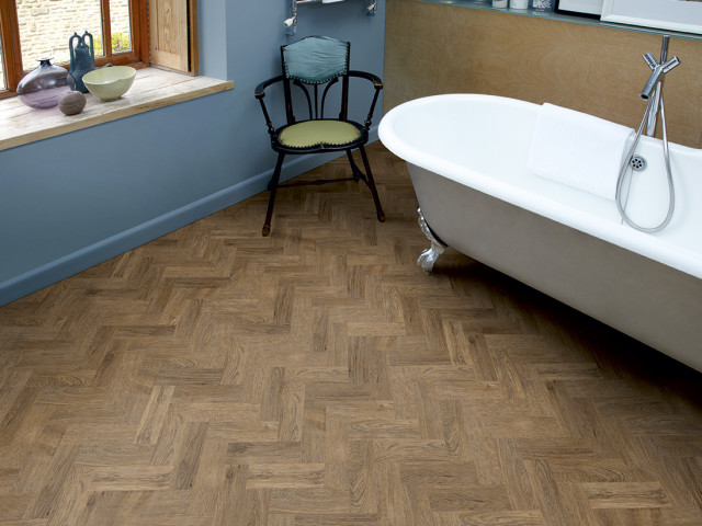 Amtico – Brushed Oak-Herringbone