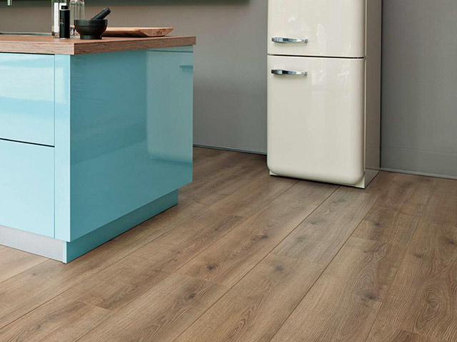 Haro laminate floor oak contura creme the flooring group for Laminate flooring waterloo