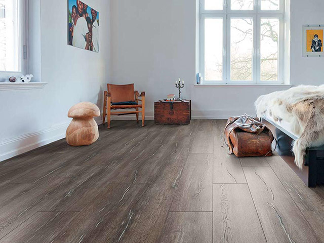 Haro laminate floor oak duna espresso the flooring group for Laminate flooring waterloo