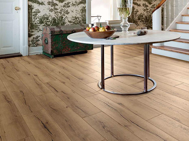 Haro laminate floor oak italica creme the flooring group for Laminate flooring waterloo
