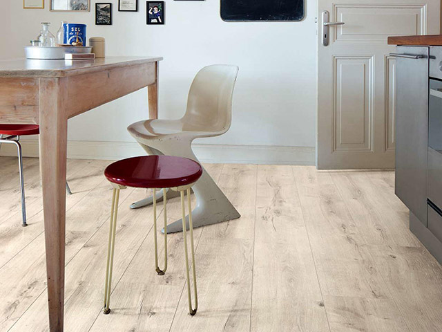 Haro laminate floor oak luna the flooring group for Laminate flooring waterloo