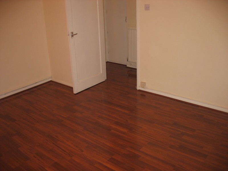 Living Rooms - Laminate