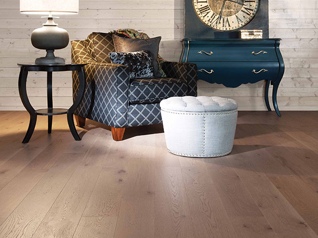 Mirage – Flair – White Oak heavy character Sand Dune