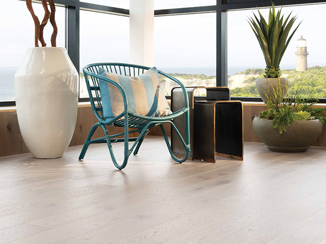 Mirage - Flair - White Oak heavy character Snowdrift