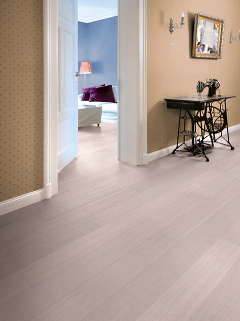 P113. Style SW Bamboo Whitened Lacq Plank