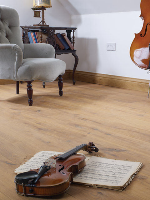 P84. Chepstow Oak Rustic Whitened Planed Plank