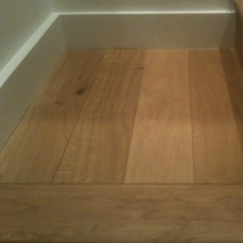 Solid-Oak-Planks-Laid-On-An-Unstable-Living-Room-Floor-5