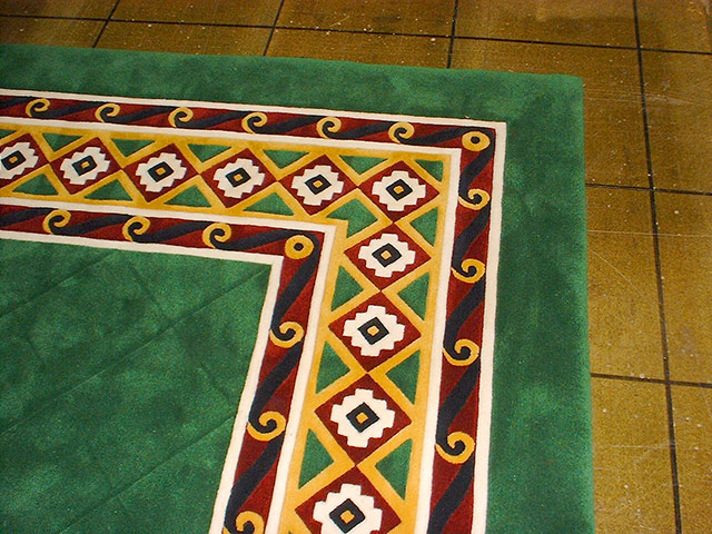 Trendy Tuft Carpets – 980a Dining Rug Border