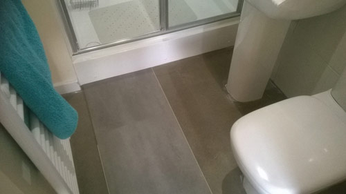 amtico & carpet bathroom 03