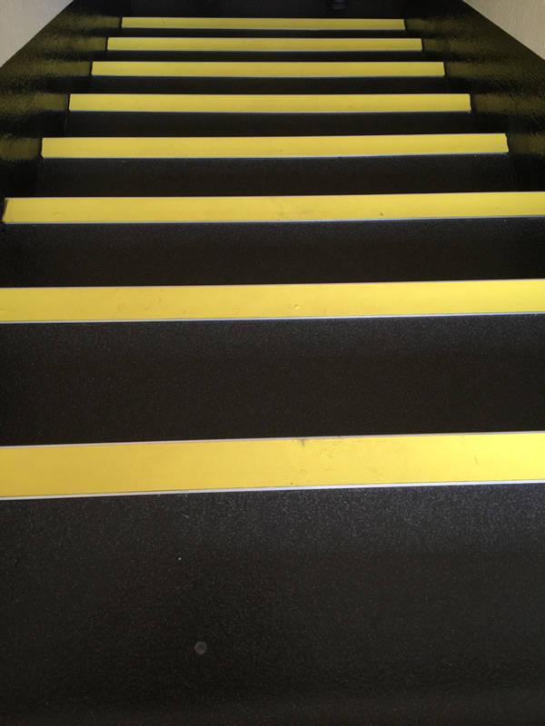 commercial rubber commercial stairs with nosings 01