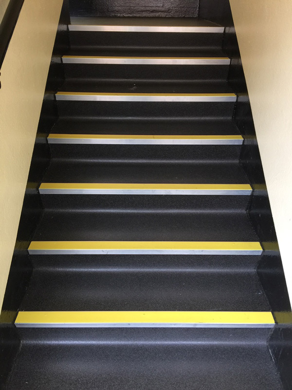 commercial rubber commercial stairs with nosings 02