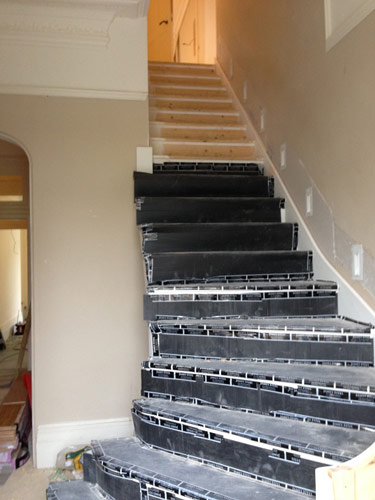 patterned carpet to stairs 03