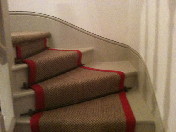 red border carpet stairs 01